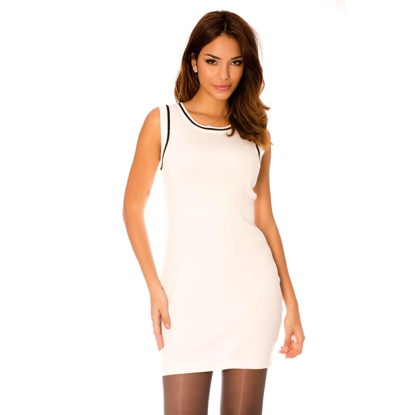 miss wear line robe blanche courte moulante avec fermeture au dos. Black Bedroom Furniture Sets. Home Design Ideas